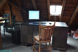 Speicher Schreibtisch nachher